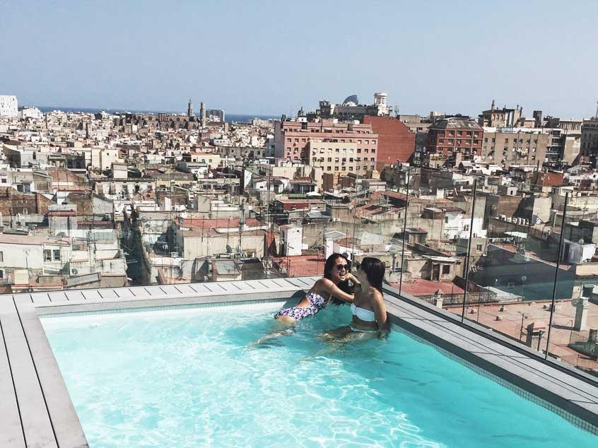 barcelone-copines-rooftop-yurbban