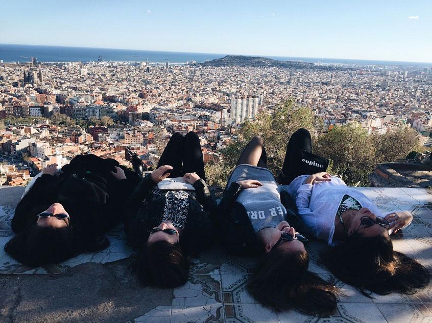 vidéo des copines à Barcelone bunkers pochette