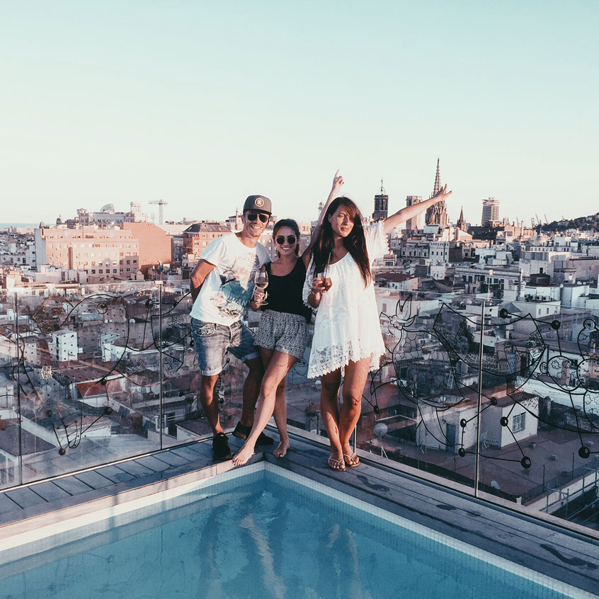 rooftop-barcelone-yurbban-trafalgar-sunset