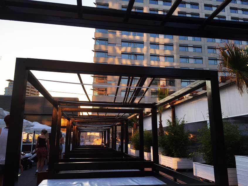 terrasse-rooftop-barcelone-puro-beach-hilton-2