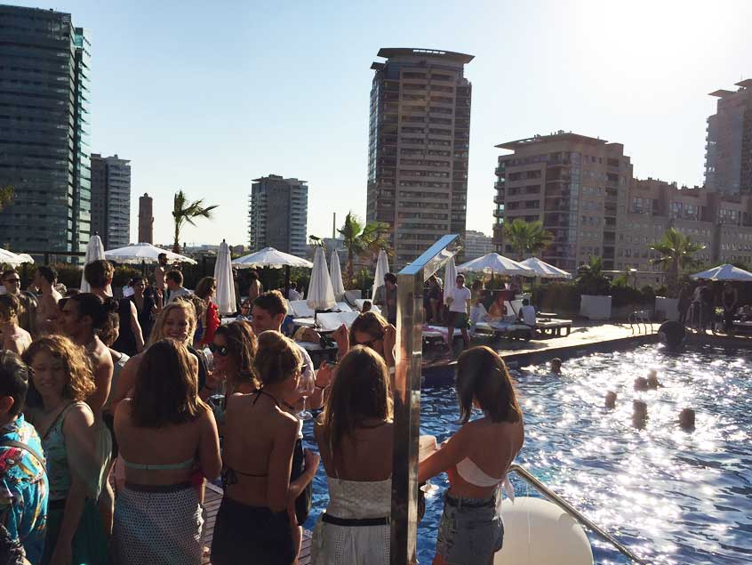 terrasse-rooftop-barcelone-puro-beach-hilton-3