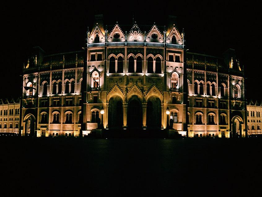 Budapest entre copines Parlement