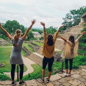 hey-les-copines-irina-fiigee-travel-12
