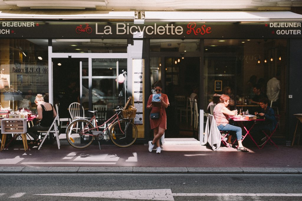 la-bicyclette-rose-annecy-hey-les-copines-11